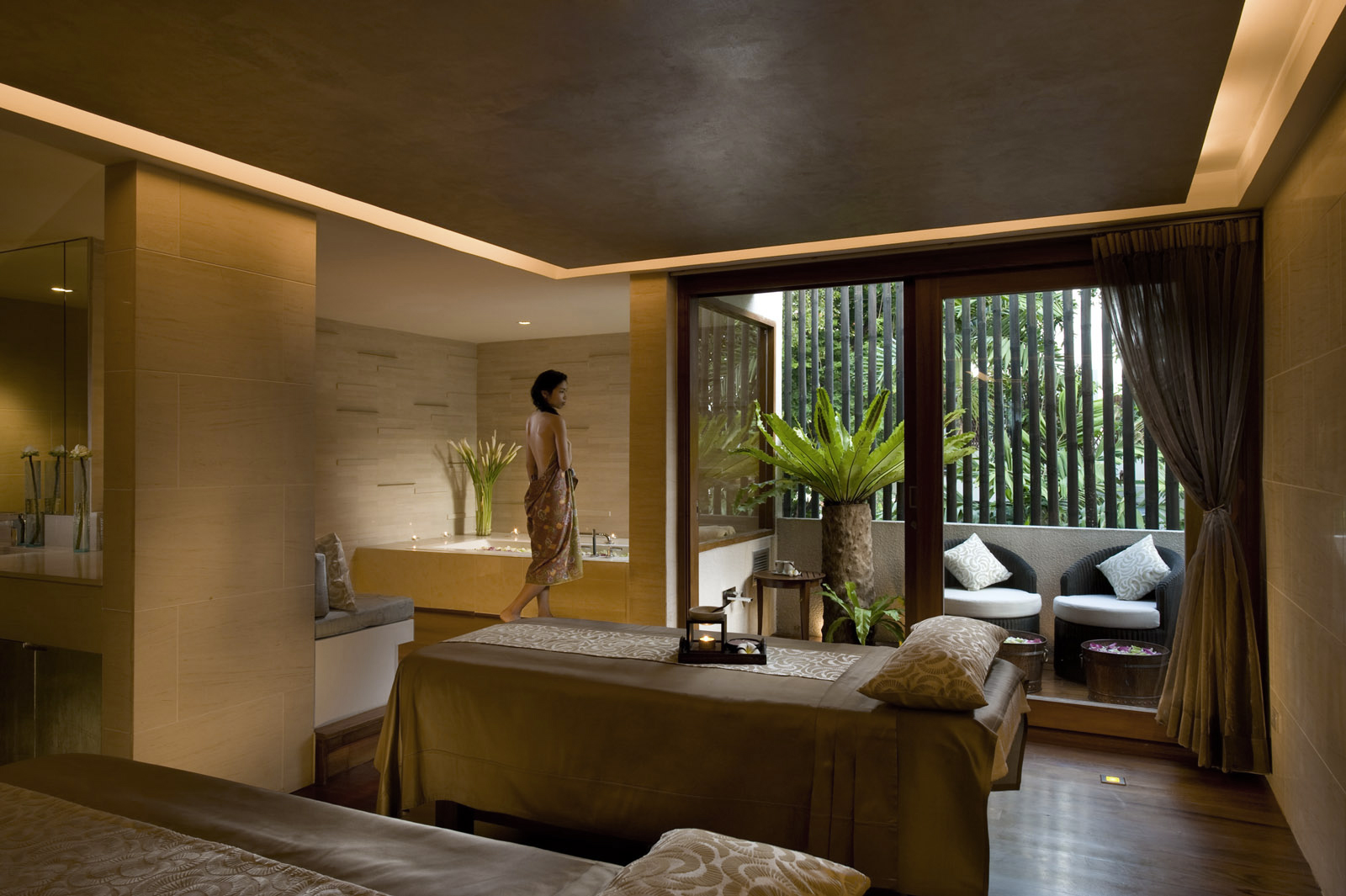 Portfolio luxury spas professional world wide for Small luxury spa hotels